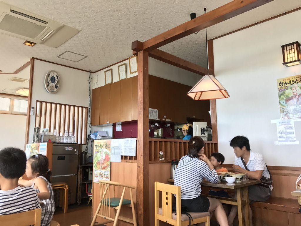 沖縄そば専門店なかむらそばの店内