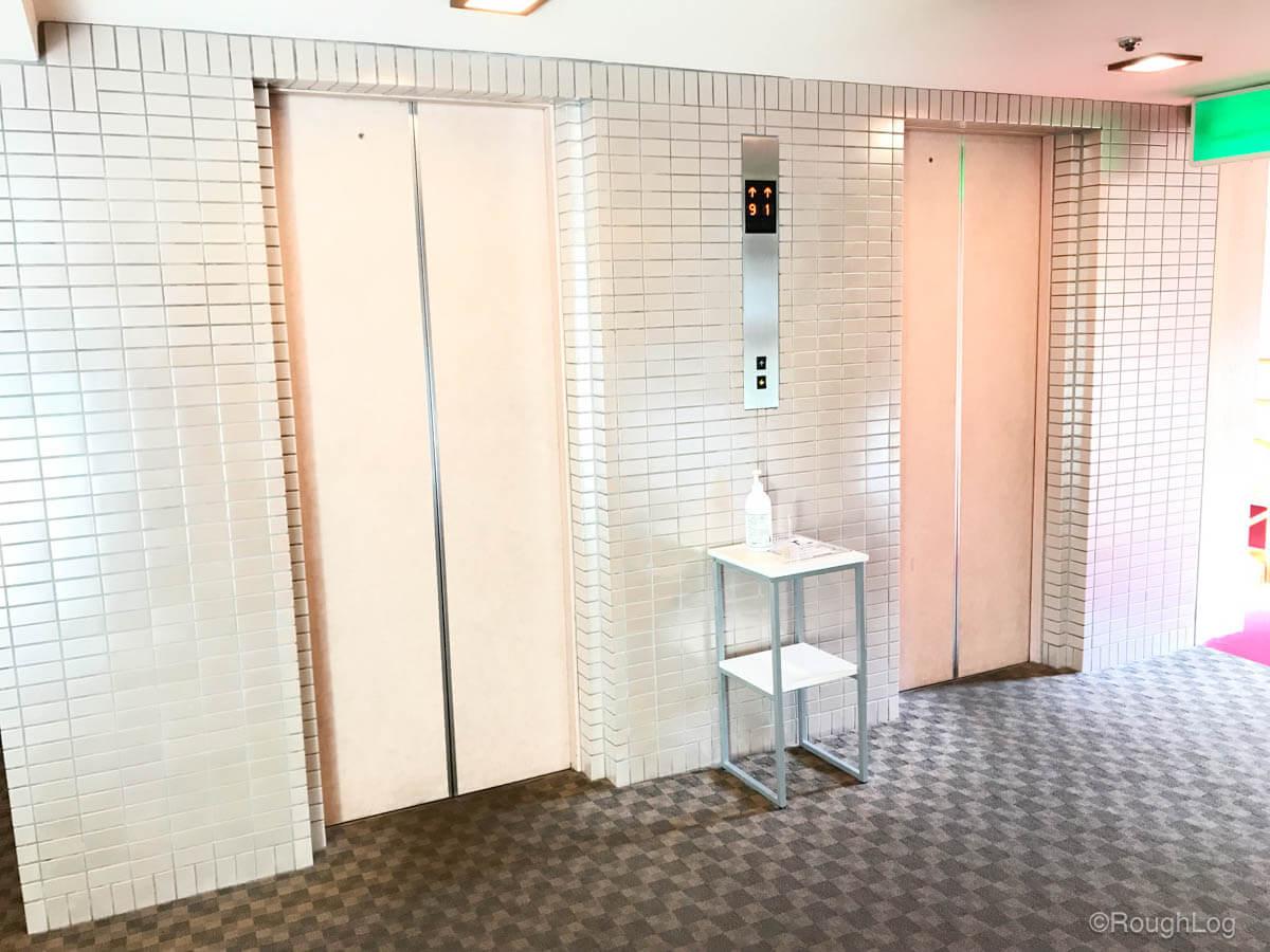 箱根 ホテルおかだ エレベータホール