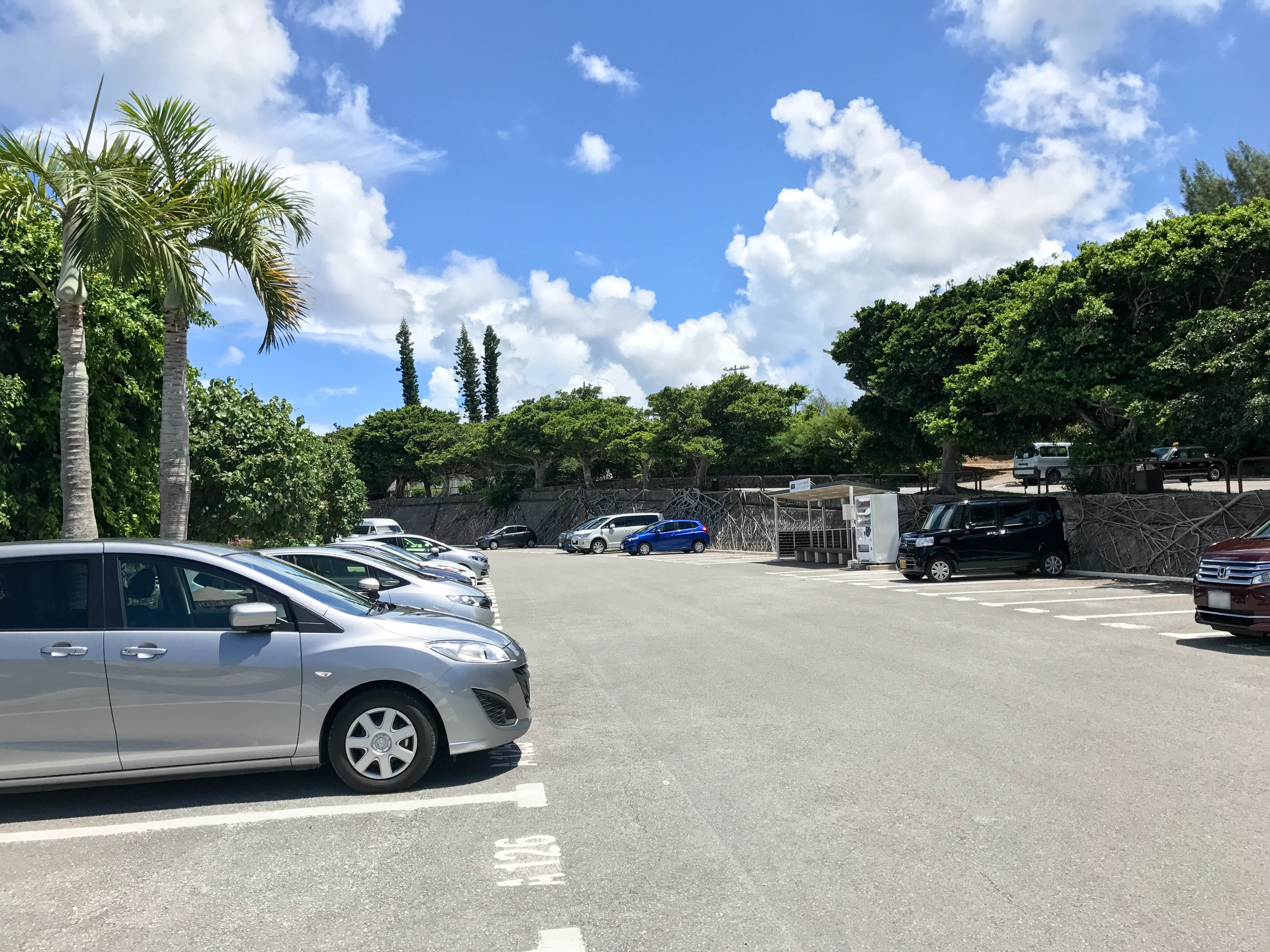 ANAインターコンチネンタル万座ビーチリゾートの駐車場