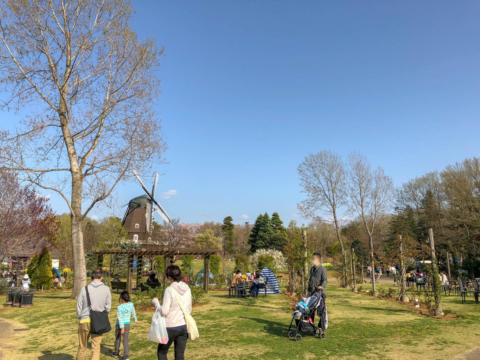 千葉県船橋市の「ふなばしアンデルセン公園」の風車