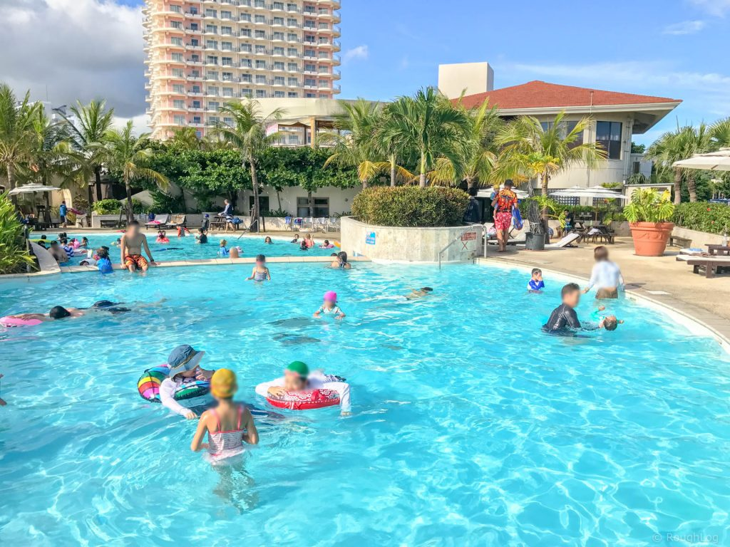 ザ・ビーチタワー沖縄(りゅらーゆ)のプール