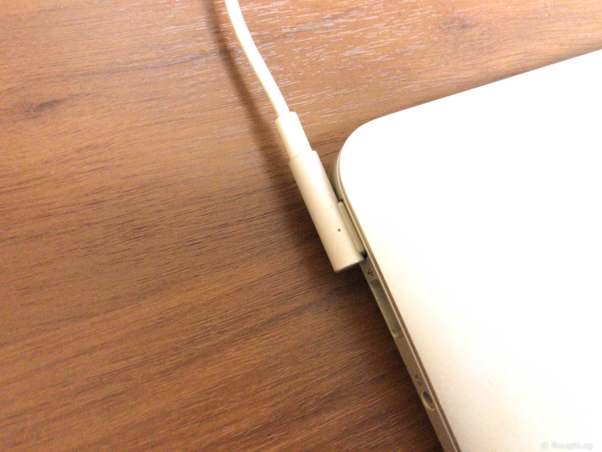 MacBook Airが充電できない
