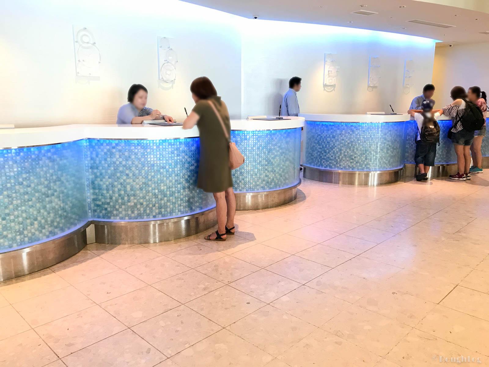 ANAインターコンチネンタル万座ビーチリゾートのホテルフロント