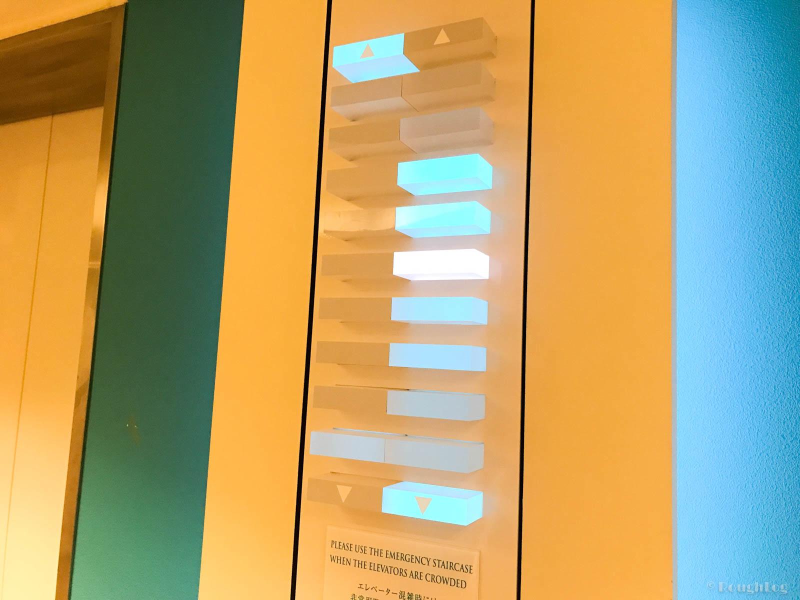 ANAインターコンチネンタル万座ビーチリゾートホテルのエレベーターが特徴的