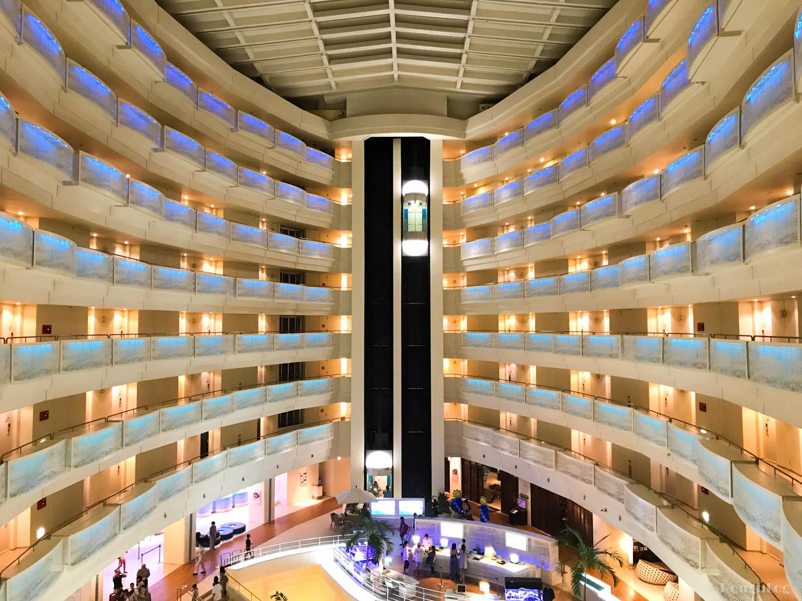 ANAインターコンチネンタル万座ビーチリゾートのホテルロビー