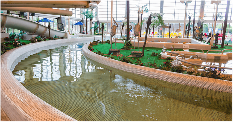 龍宮城スパホテル三日月の屋内プール