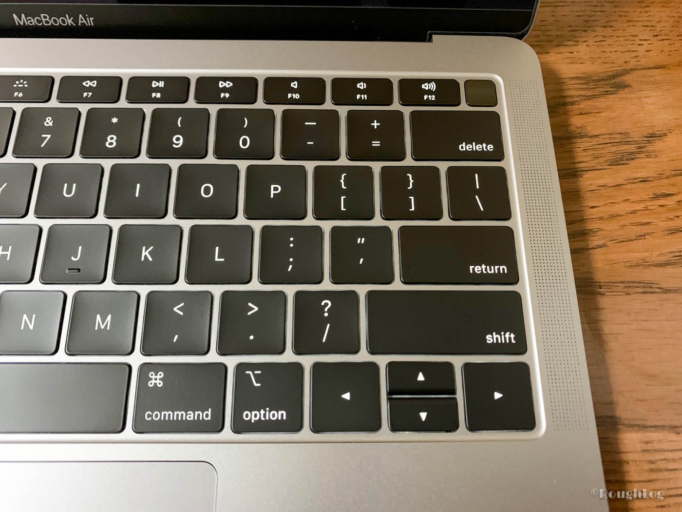 MacBook Air 2018はTouch IDを搭載、でもTouch Barは非搭載