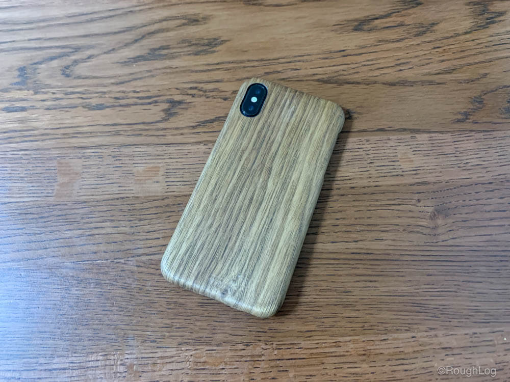 WOODWE ウォールナット ハードウッドケースを装着したiPhone