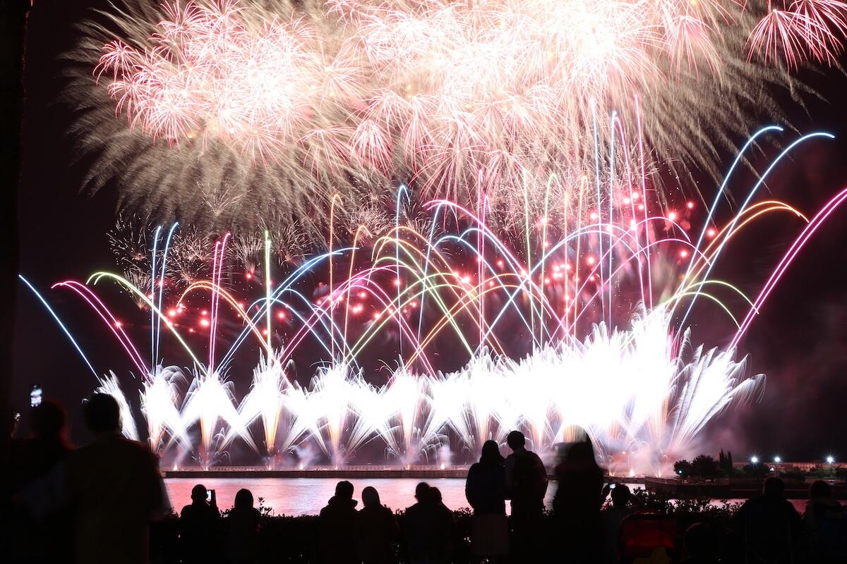 熱海海上花火大会は一年の通して開催されている花火大会