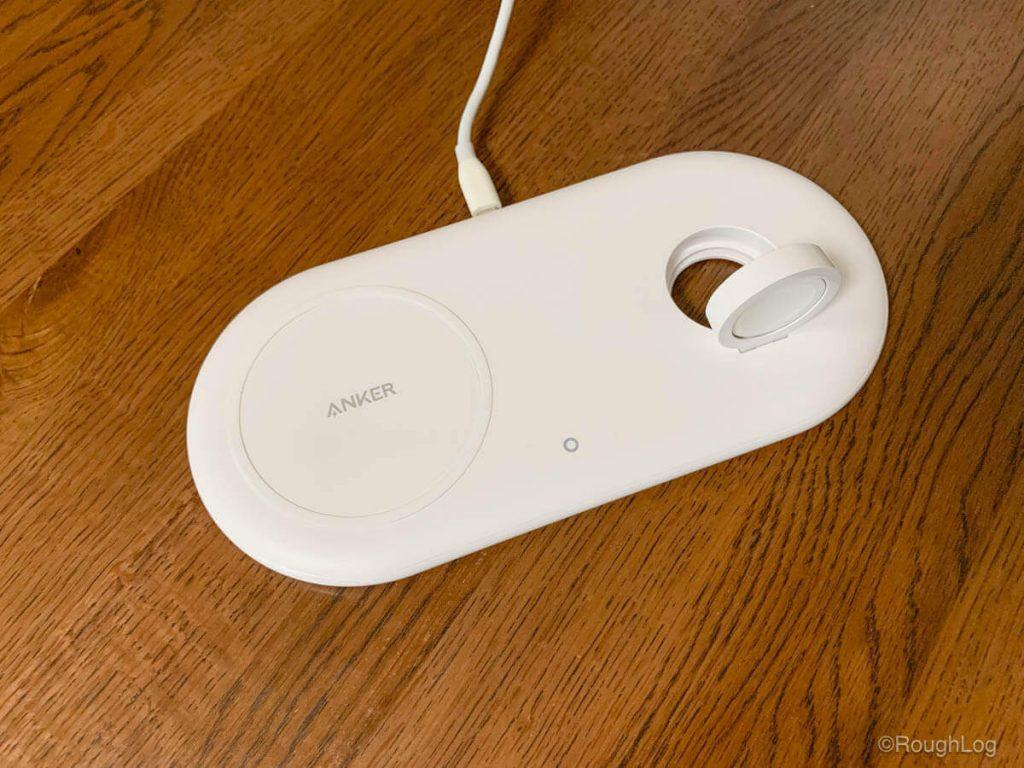 Apple Watch充電用のホルダーは立てて使用することができる