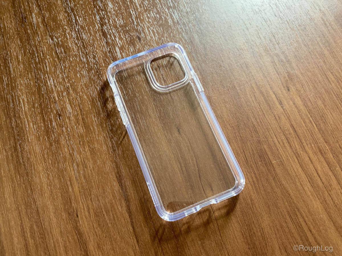 iPhoneケース Spigen ウルトラハイブリッド(クリスタルクリア)はドットパターンなども施されていない非常に透明なケース