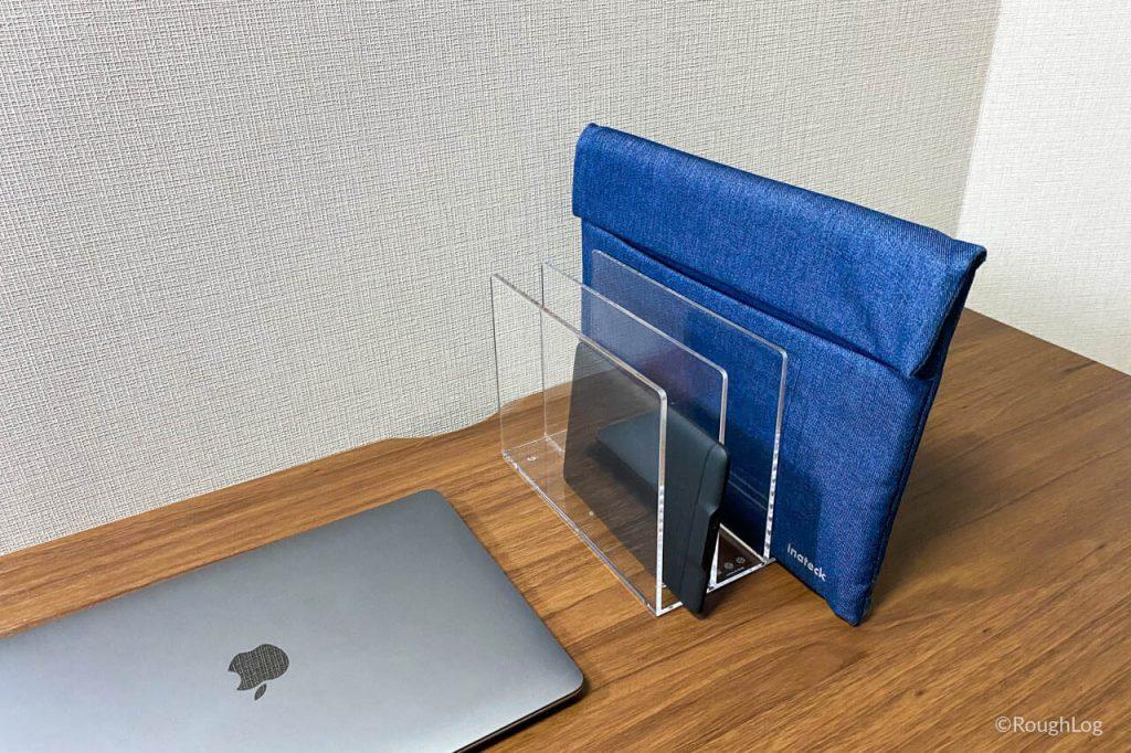 無印良品「アクリル仕切りスタンド」はタブレットやMacBookケースも収納できる