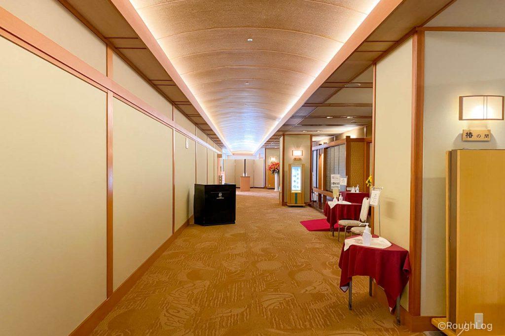 熱海後楽園ホテル大宴会場「四季殿」入り口