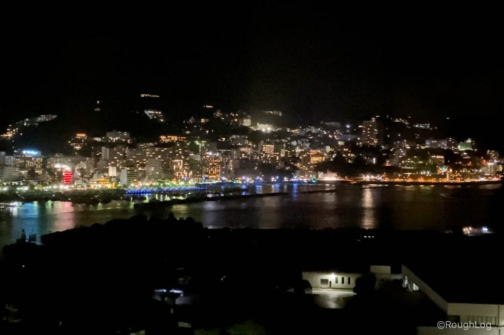 熱海後楽園ホテルの客室から見える夜景
