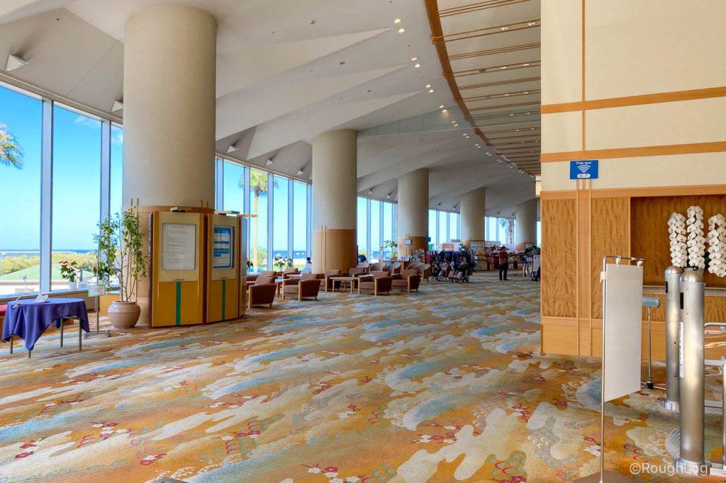 熱海後楽園ホテルのロビーは景観も良く広々している