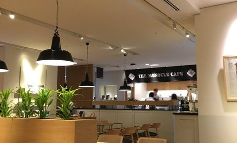 有楽町にある電源・WiFi完備の「THE MONOCLE CAFE(モノクルカフェ)」は駅近で使い勝手の良いカフェ。